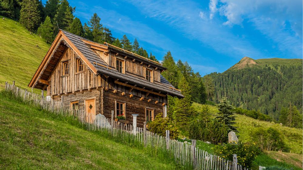 old wodden cabin.png