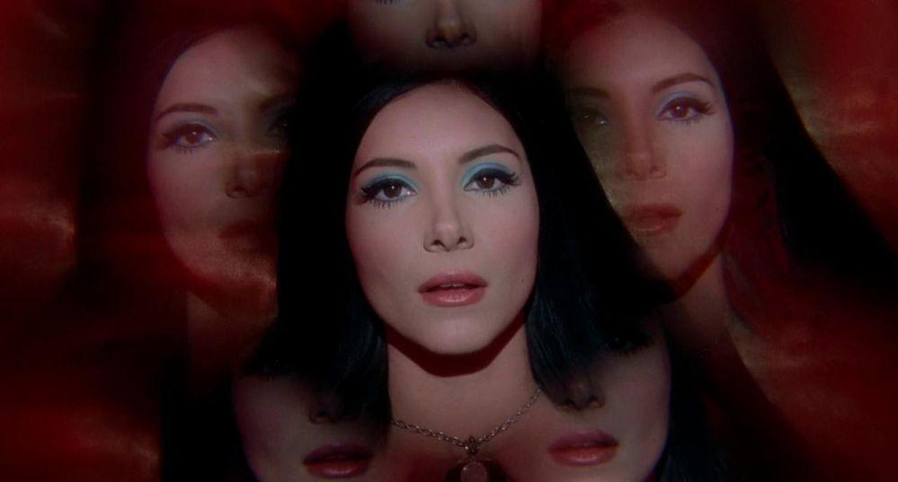 The_Love_Witch_caleidoscopio.jpg