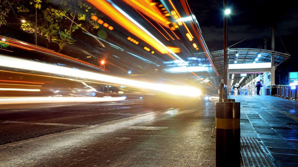 bus_wide_low.jpg