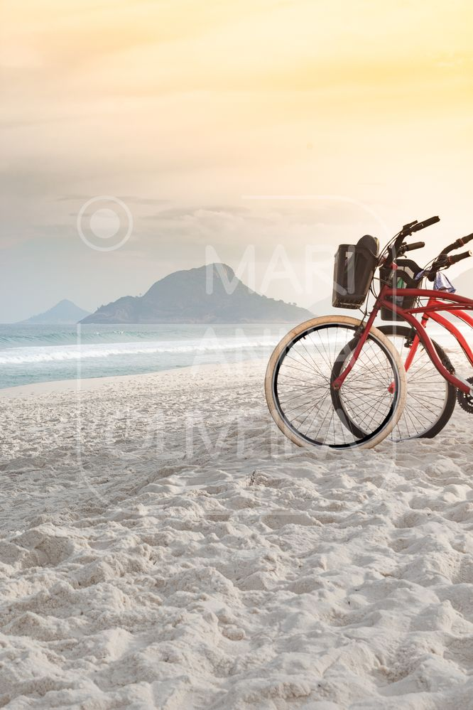 Paisagem - LR - IMG_1480-23052021-Olhares da Cidade  2021 - RJ - Bikes na Praia do Recreio 01 - P.jpg