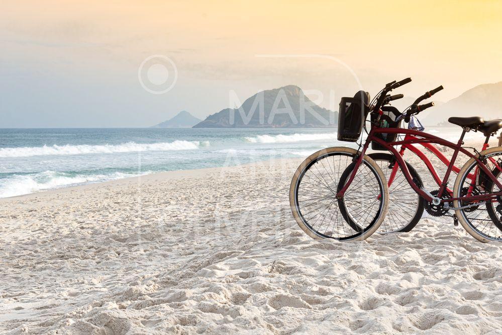 Paisagem - LR - IMG_1469-23052021-Olhares da Cidade  2021 - RJ - Bikes na Praia do Recreio 01 - P.jpg